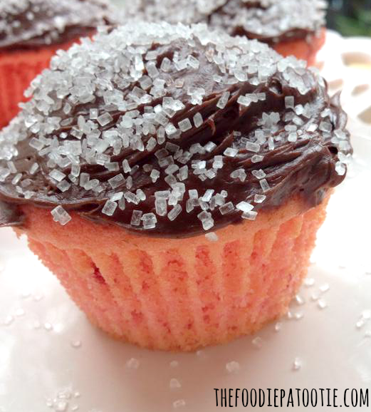 Strawberry Cupcakes with a Kahlua Chocolate Frosting via TheFoodiePatootie.com | #dessert #strawberry #chocolate #cake #foodholiday