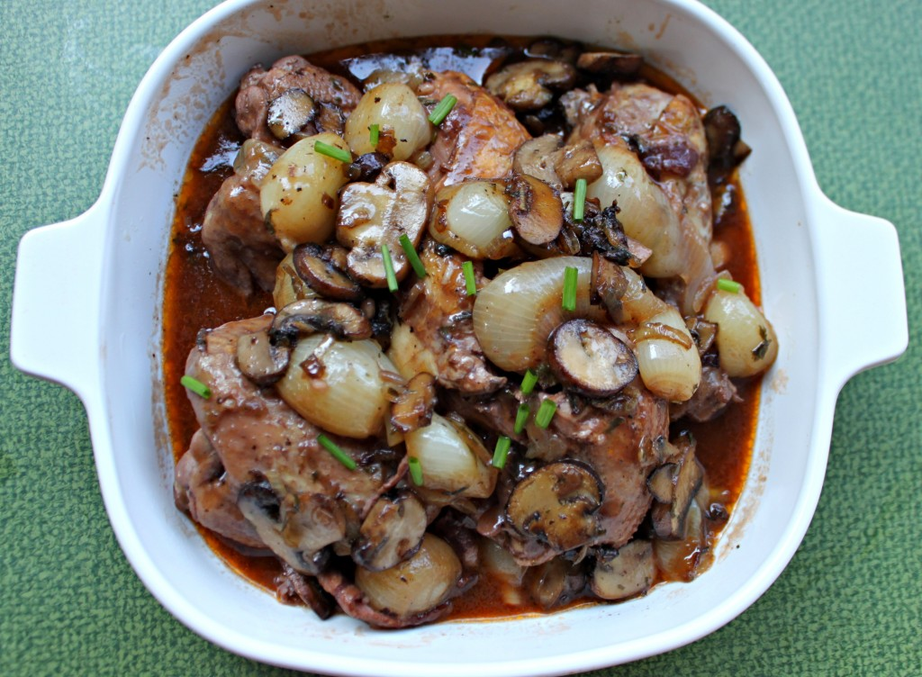 Coq Au Vin via TheFoodiePatootie.com | #French #recipe #foodholiday #stew #chicken #poultry