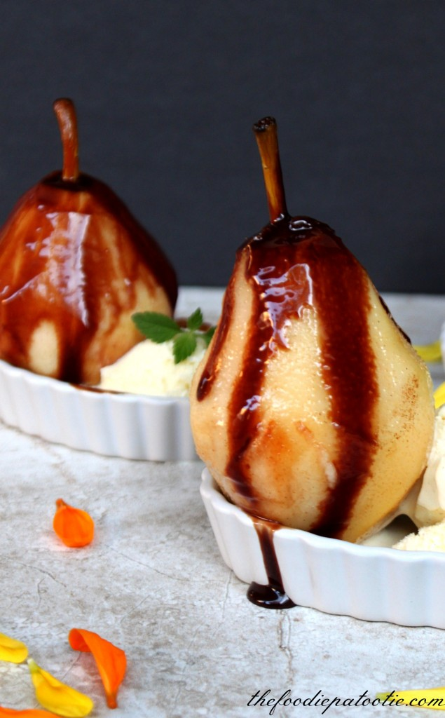 Pears Belle Helene via TheFoodiePatootie.com | #dessert #pears #fruit #chocolate #French #recipe #foodholiday