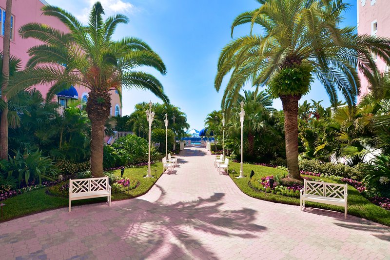 courtyard via Don CeSar's website
