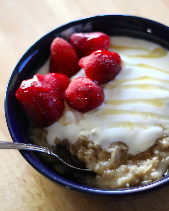 National Oatmeal Day | Honey-Vanilla Oatmeal Bowl