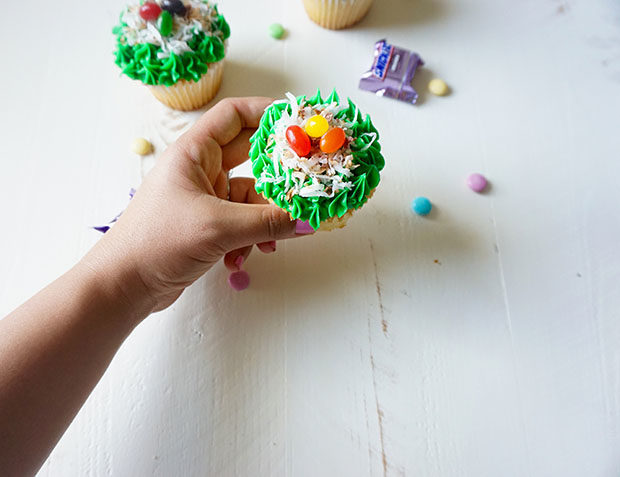 easter-cupcakes