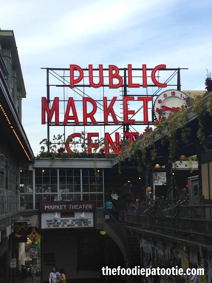 pike-place-market-sign