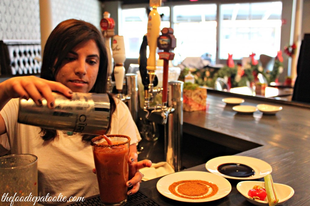 pour-bloody-mary