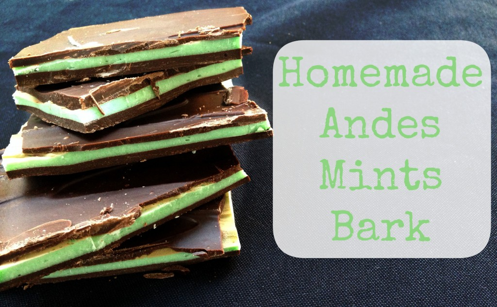 Homemade Andes Mints Bark via TheFoodiePatootie.com | #dessert #chocolate #mint #recipe