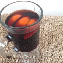 Mulled Wine via TheFoodiePatootie.com | #booze #wine #drinks #recipe #foodholiday