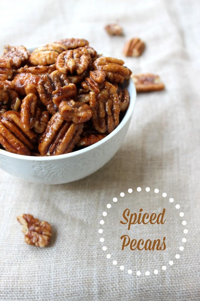 Spiced Pecans via TheFoodiePatootie.com   #snack #nuts #recipe #foodholiday