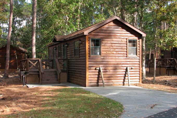 Fort_Wilderness_cabin