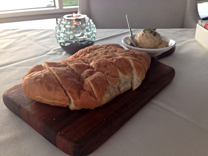 bread-armanis-tampa