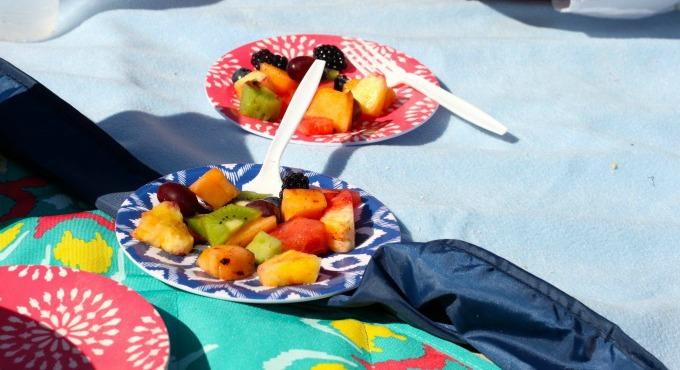 fruit-plates-beach